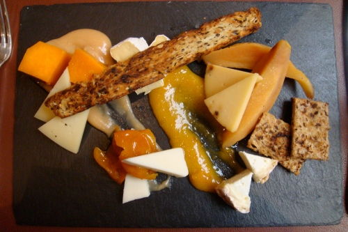Star's appetizer: Quince, pumpkin and kumquats in syrup, cheese selection